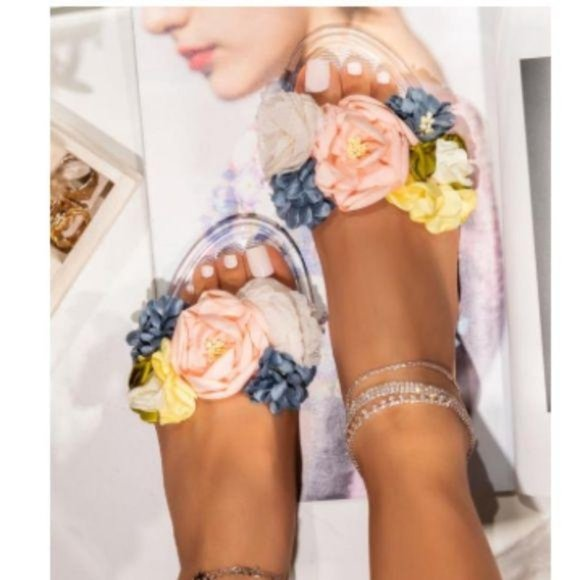 !! RESTOCKED !! Floral Jelly Slides – Clear